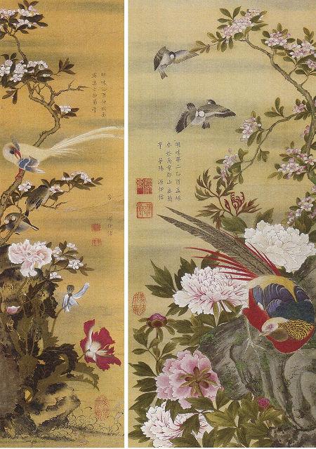 右:柳沢伊信「牡丹錦鶏図」柳沢文庫保存会蔵 左:柳沢伊信「海棠芥子綬帯鳥図」神戸市立博物館蔵